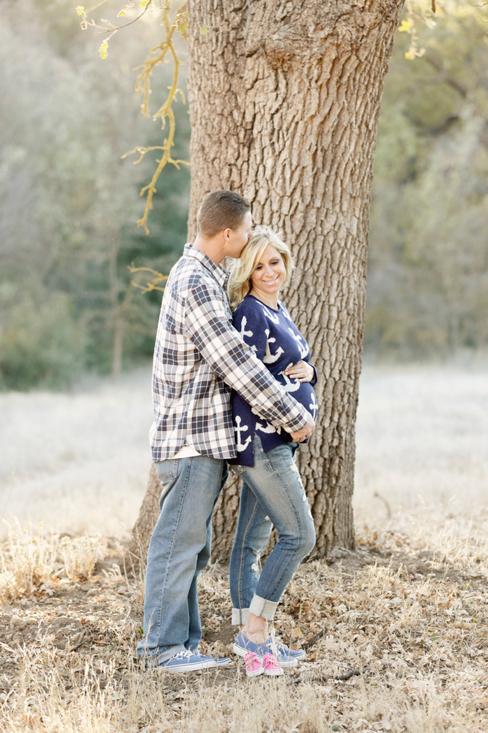 12 romantic maternity photos